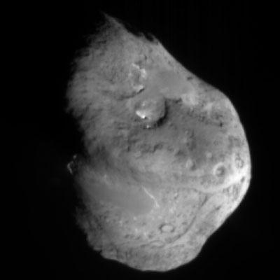 Comet Tempel 1, approximately 5 minutes before Deep Impact's impactor smashed into its surface