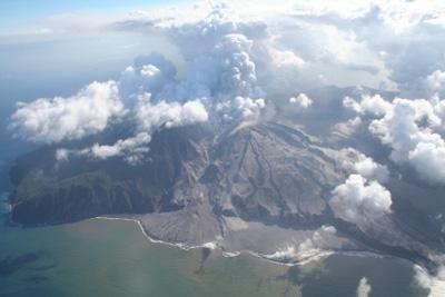 The Soufriere Hills volcano on Montserrat just after its lava dome collapsed on 20 May