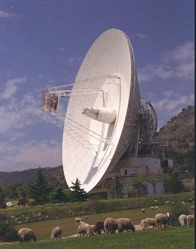Two of four huge bearings that carry the weight of the 70-metre antenna near Madrid must be replaced, keeping the dish offline until early 2007