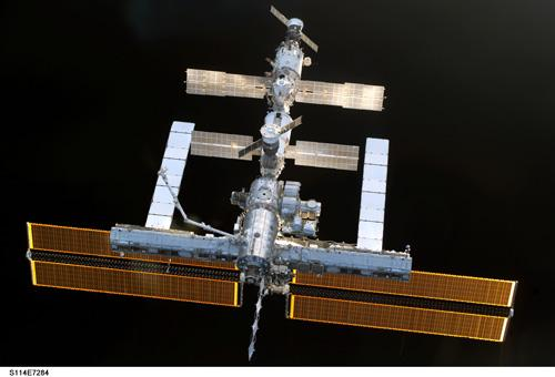 The lab modules would dock to the ISS to unload experiments, then separate for several months to perform more research, away from the station's vibrations