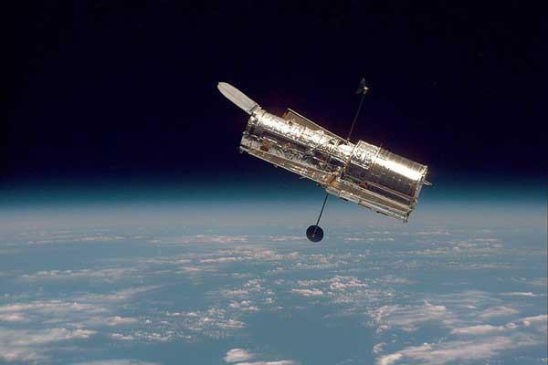 If NASA approves a shuttle servicing mission, the Wide Field Camera 3 will replace the current Wide Field Planetary Camera 2, which was installed in 1993
