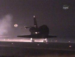 Touchdown occurred at 0621 EDT and was the 21st night landing for a space shuttle