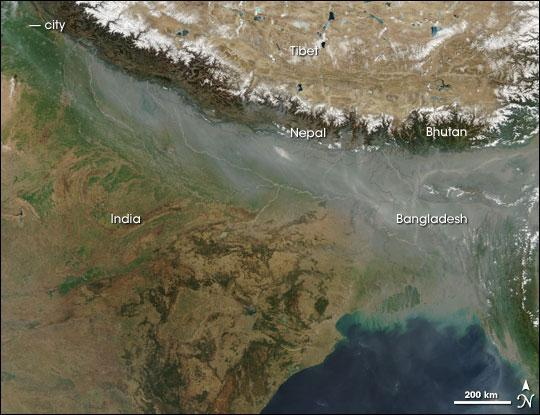 Satellite image of atmospheric brown cloud over northern India