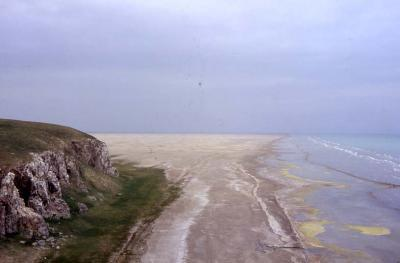 Lake Qinghai's water level has been decreasing by 10 cm every year since the 1960s