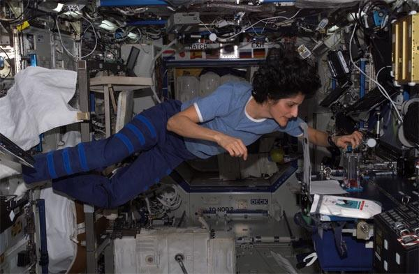 sunita williams in space station - photo #17