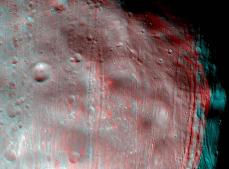 Phobos pops off the screen in this 3D view when seen through red-and-blue 3D glasses. Glasses should be worn with red over the left eye to get the proper effect
