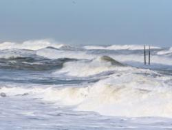 Underwater ears warn of hurricane strength