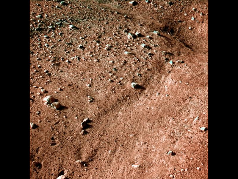 Does this sharp-edged polygon indicate recent change on Mars?