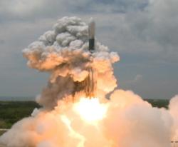 GLAST lifts off on a Delta II rocket