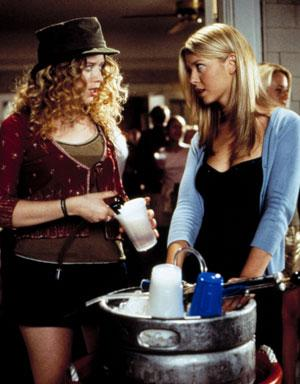 Natasha Lyonne and Tara Reid in one of 18 drinking scenes in American Pie