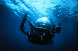 Deep Ocean Engineering's DEEP ROVER one-person submarine dives to 300 metres