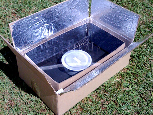 The Kyoto Box, a solar-powered oven fashioned from cardboard and silver foil that won the FT Climate Change Challenge