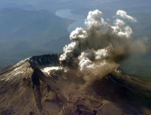 The US volcano may be connected to a semi-molten magma chamber that could fuel a giant eruption