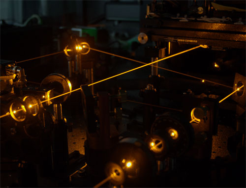 This experimental set-up was used to show that it is possible to make a transistor that acts using laser beams, not electric currents
