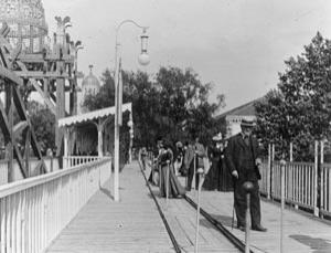 The easy way to get around at the 1900 Exposition Universelle