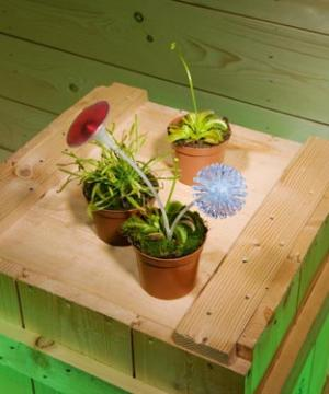 Power-assisted Venus fly trap