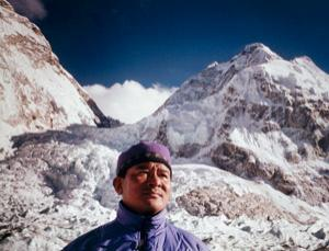 Babu Chiri Sherpa survived on the top of Everest for 21 hours without oxygen