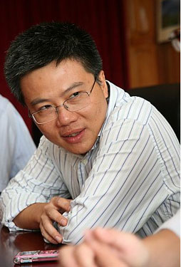 Ngô Bảo Châu was awarded the medal for for his proof of the fundamental lemma in the theory of automorphic forms through the introduction of new algebro-geometric methods