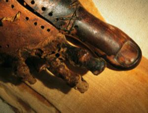 Not just a pretty toe: a false digit found on a mummy named Tabaketenmut (above) probably helped its owner walk