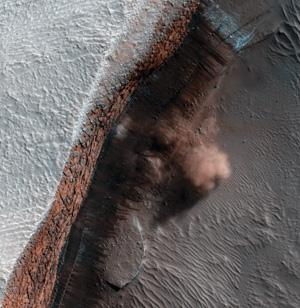 Airbursts trigger dust avalanches on Mars