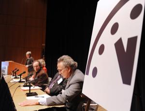 The Bulletin of the Atomic Scientists announces moving the Doomsday Clock forward to 5 minutes before midnight at a meeting on 10 January in Washington DC