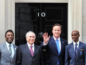 Pelé, Michel Temer, David Cameron and Mo Farah outside 10 Downing Street in London