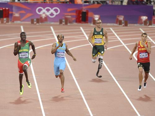 Oscar Pistorius during the men's 400 metres semifinal at the London 2012 Olympics