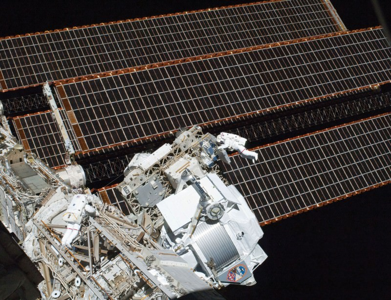 Space station looks for WIMPs