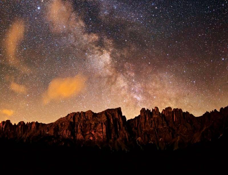 Galaxy lightens up