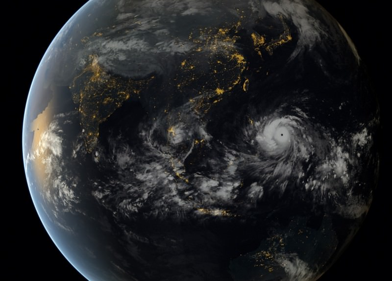 Haiyan from space: See typhoon as it hit Philippines