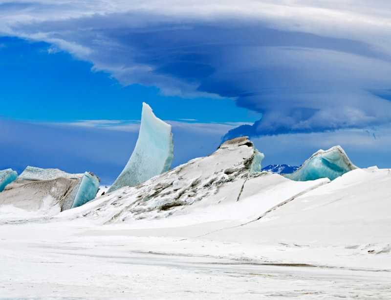 Icy fortress of solitude snapped by Antarctic survey