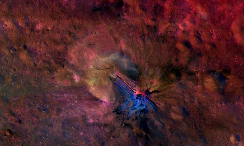 Infrared reveals stunning colours of asteroid's crust