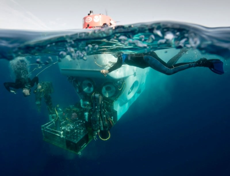 Super-submersible Alvin dives again after refit