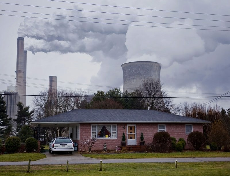 The stacks of the Gavin coal-burning power plant in Cheshire, Ohio