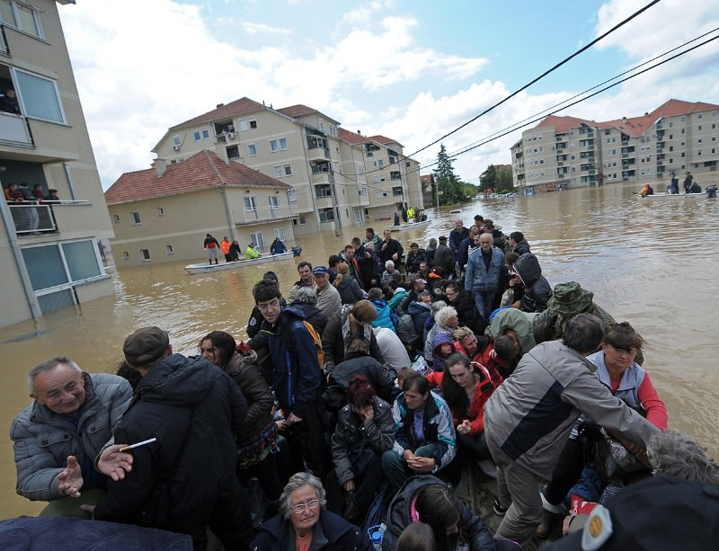 A group is evacuated from the floods in Obrenovac, Serbia
