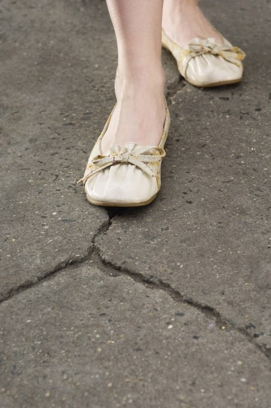 Compulsive habits like avoiding pavement cracks can lift a lid on the mind's inner workings