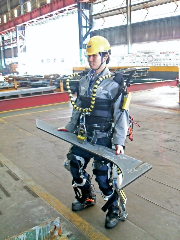 robotic suit gives shipyard workers super strength new scientist. Black Bedroom Furniture Sets. Home Design Ideas