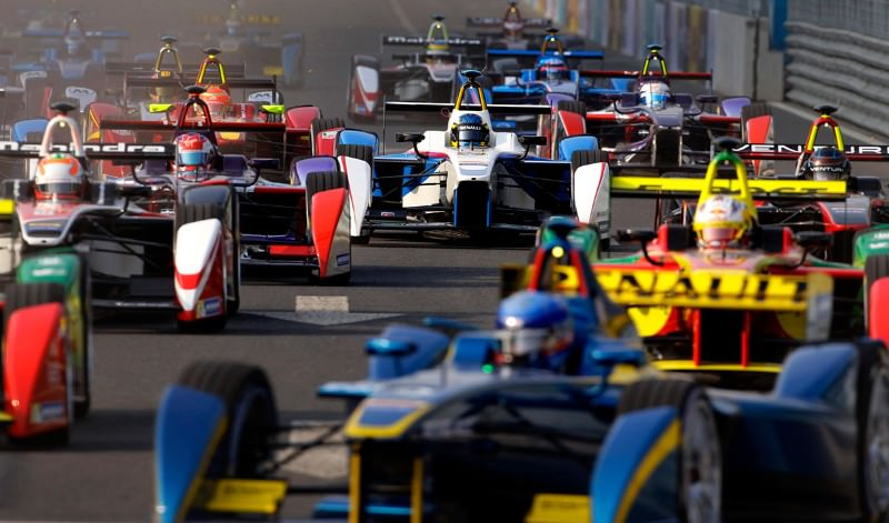 Thrills and spills at first electric Formula E race