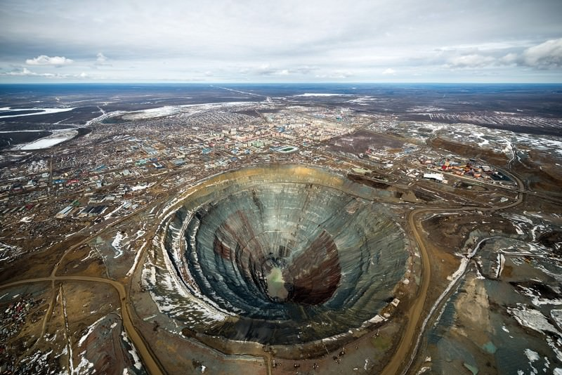 Earth's navel: Stare into an eye-wateringly big hole
