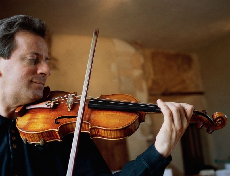 Stradivarius violins evolved to perfection (Image by © Owen Franken/Corbis)