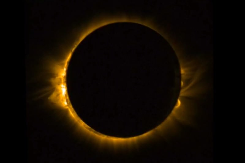 Awesome photos from Europe's biggest solar eclipse