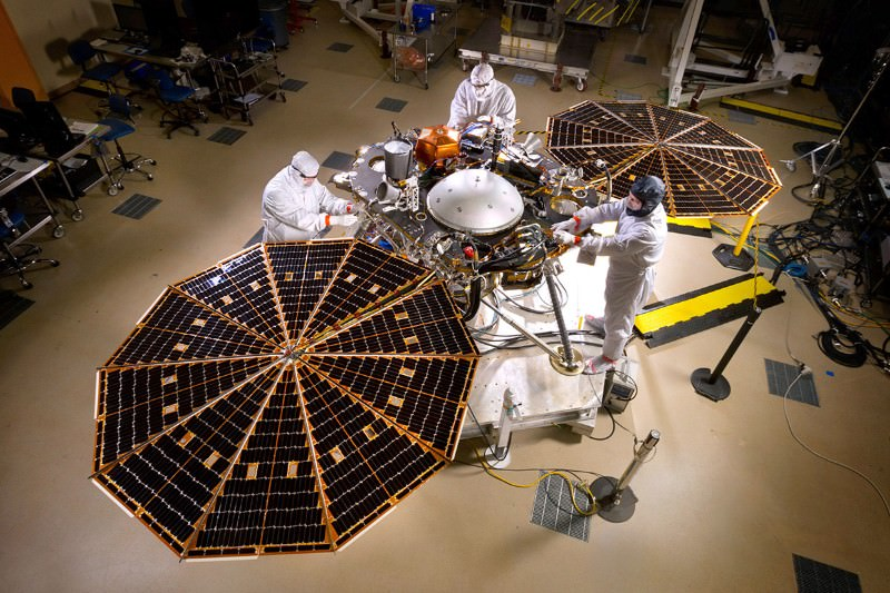 Mars lander gets set for mission to probe planet's depths