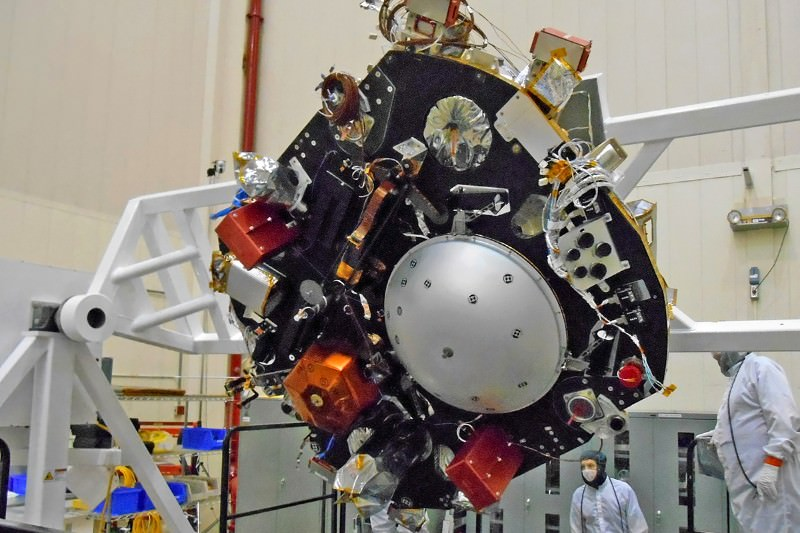 Mars lander gets set for mission to probe planet's depths