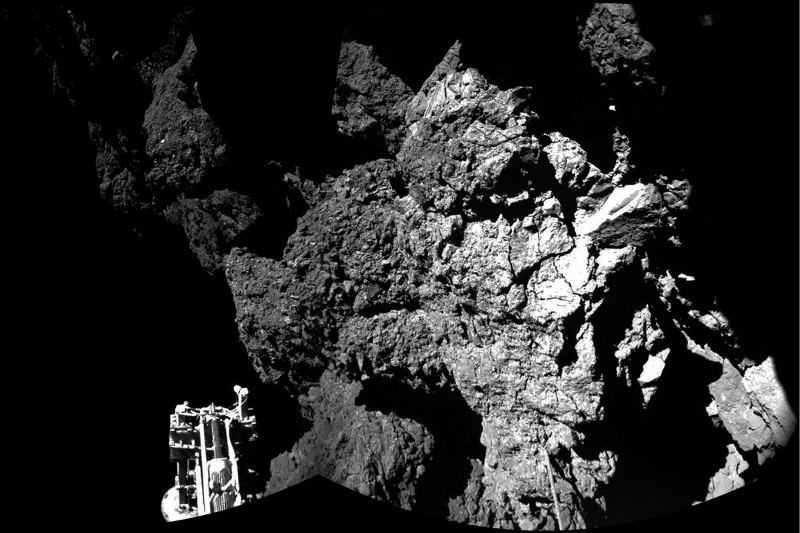 #RosettaWatch: Philae lander reveals comet 67P's fluffy surface