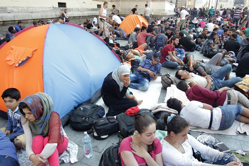 Refugees at risk of measles and post-traumatic stress disorder