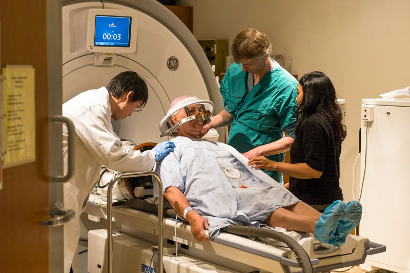 Ultrasound prises open brain's protective barrier for first time
