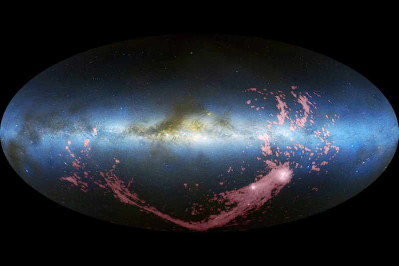 Thieving Milky Way stole distant star cluster from neighbour
