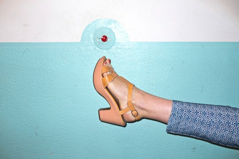 Hands full? Shoe computer lets you kick to answer your phone