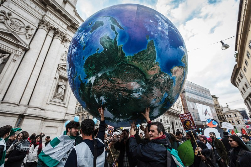 Paris climate summit: Earth may warm by 6°C – even with a deal