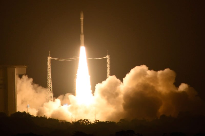 Pathfinder blasts off to look for Einstein's gravitational waves